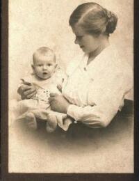 Helga og Inge Hjortskov Jensen 1920